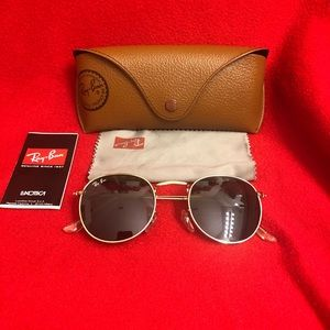 Ray-Ban Round Black Unisex Sunglasses
